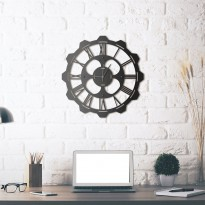 Metal wall Clock Clover